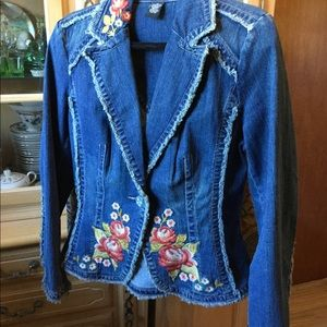 Denim embroidered fitted jacket